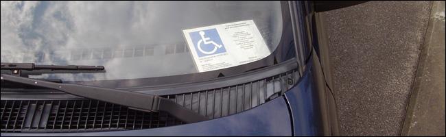 le stationnement gratuit et illimit pour les personnes handicap es. Black Bedroom Furniture Sets. Home Design Ideas